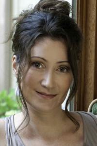 author-sara-gruen-3x4pt5